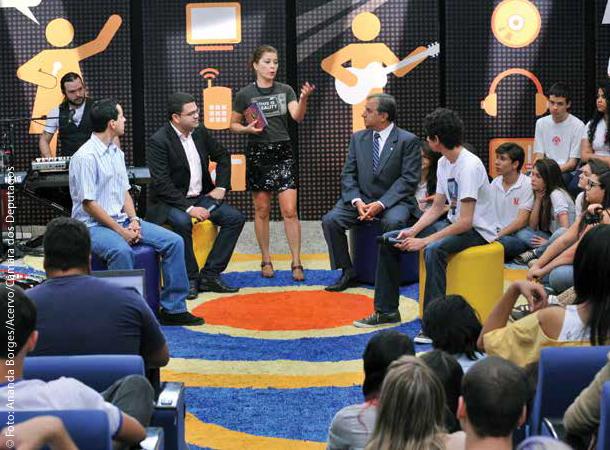 Programa ao vivo sendo realizado na TV C âmara em Brasília.