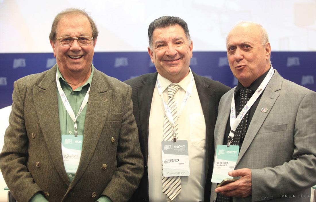 Salomão Ésper, Luiz Magliocca e Miton Parron após uma sessão de homenagem à rádio, que faz parte da história do Brasil