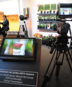 Hitachi UHD4000 4K-HDTV com sensor 4MOS 3840×2160 com HDR, transmissão óptica e um viewfinder especial a cores para 4K