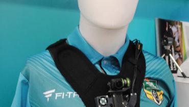 Habitual em jogos  de rúgbi, esta câmera transmite sinal HD com transmissão 2GHz microwave  que permite ver   e ouvir o que o árbitro fala   com os jogadores  em campo.  Apresentada no estande da Telstra Global, a Globecam inclui um sistema de correção de cor