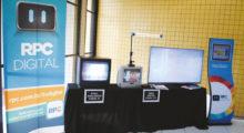 A RPC TV, afiliada da Rede Globo no Estado do Paraná, colocou na Universidade Positivo três TVs com sinal analógico no canal 12, e um com sinal digital no 12.1. O estande faz parte do projeto da emissora de conscientização da população para o switch-off analógico que está previsto para ser realizado em janeiro de 2018
