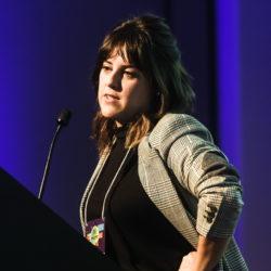 Magê Flores – Folha's journalist and host of the Café da Manhã podcast